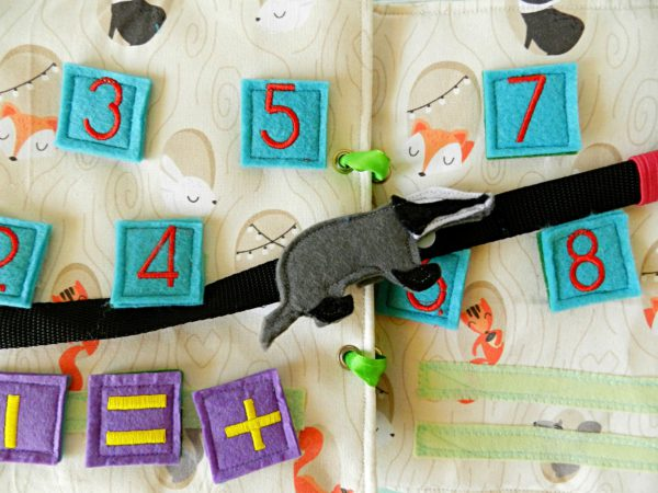 felt-woodland-animals-on-fabric-busy-books-for-toddlers