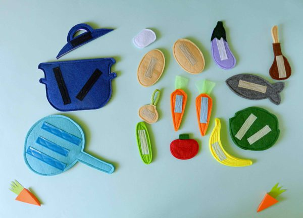 cooking-toys-for-kids-with-felt-play-food