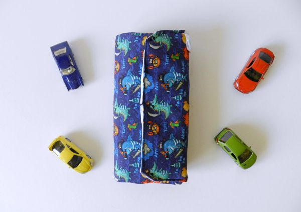 four-miniature-cars-and-kids-wallet-for-cars