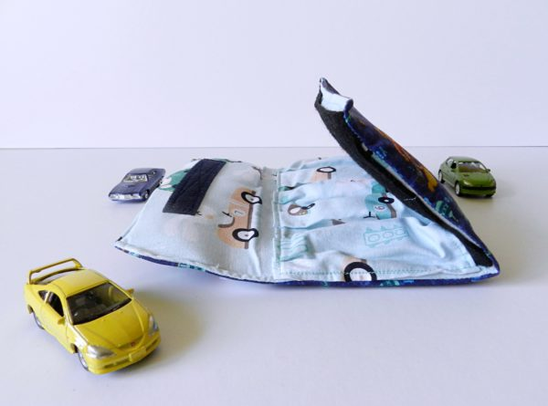 miniature-cars-with-car-wallet-for-kids