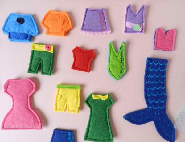 felt-clothes-for-flat-felt-dolls